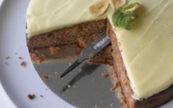 Feile im Kuchen